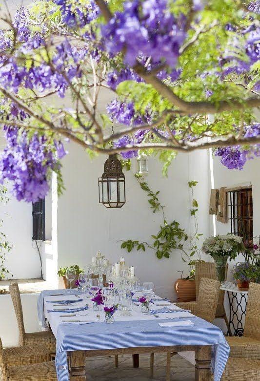 Patios y terrazas de estilo mediterr neo for Decoracion casa girona