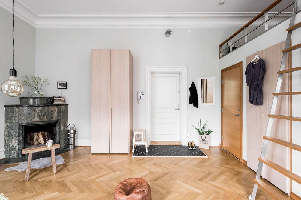 Exclusivo mini estudio con altillo for Como decorar un estudio de 20 metros cuadrados