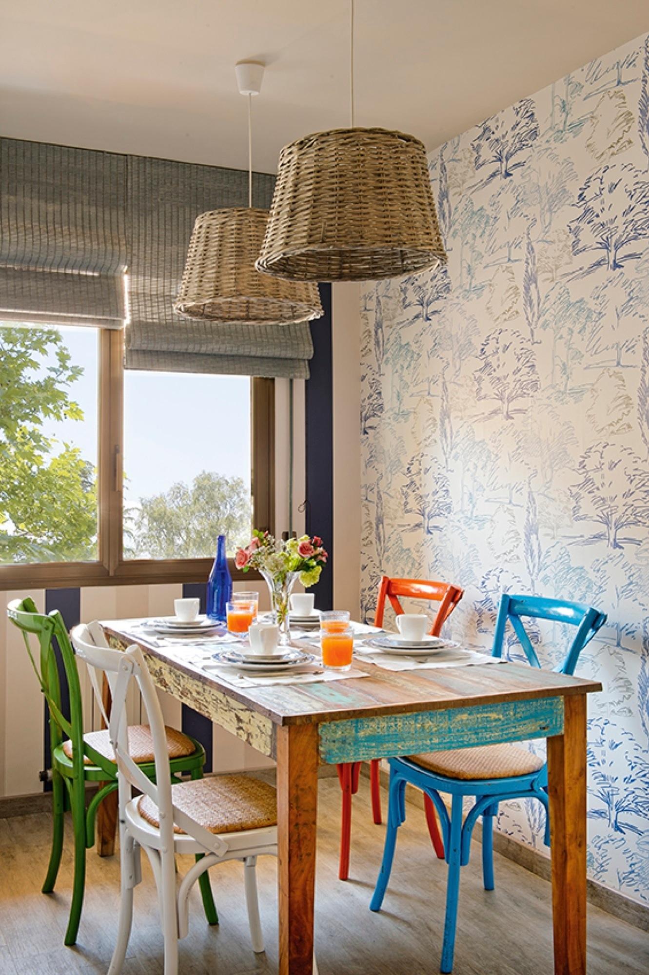 Papel pintado primaveral como terapia para un hogar positivo - Fotos salones pintados ...
