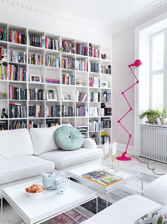 Ideas para decorar la pared encima del sof - Mueble para encima del inodoro ...