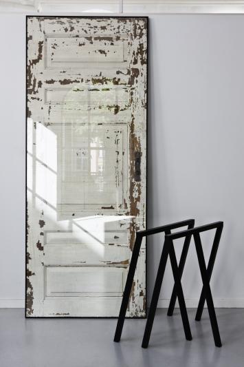 Diy convertir una puerta vieja en una original mesa for Mesas hechas con puertas antiguas