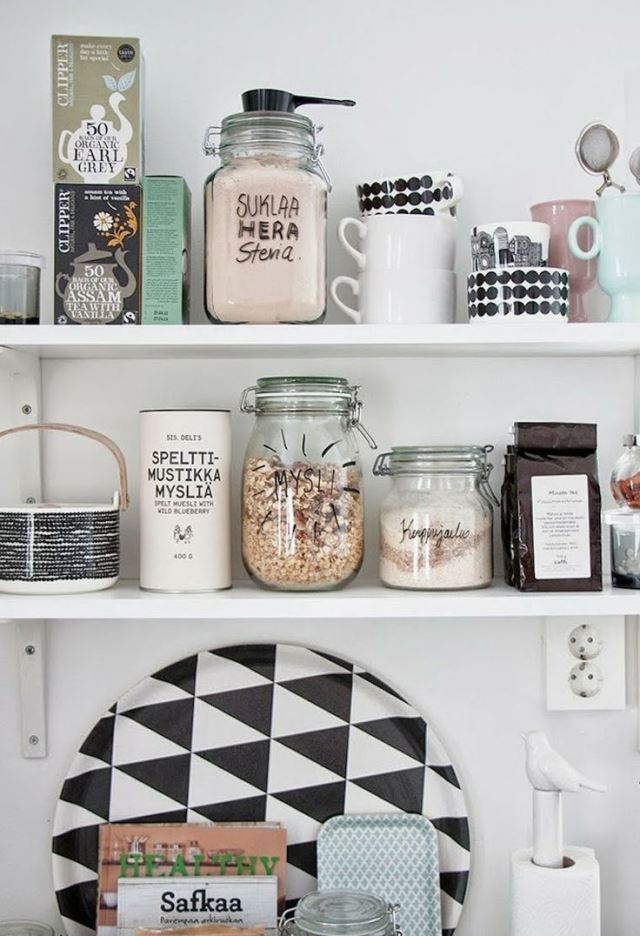 jarra measure estantera casita gris