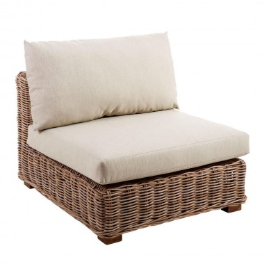 sillón exterior de ratán natural y cojines