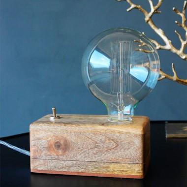 Lámpara sobremesa, Box