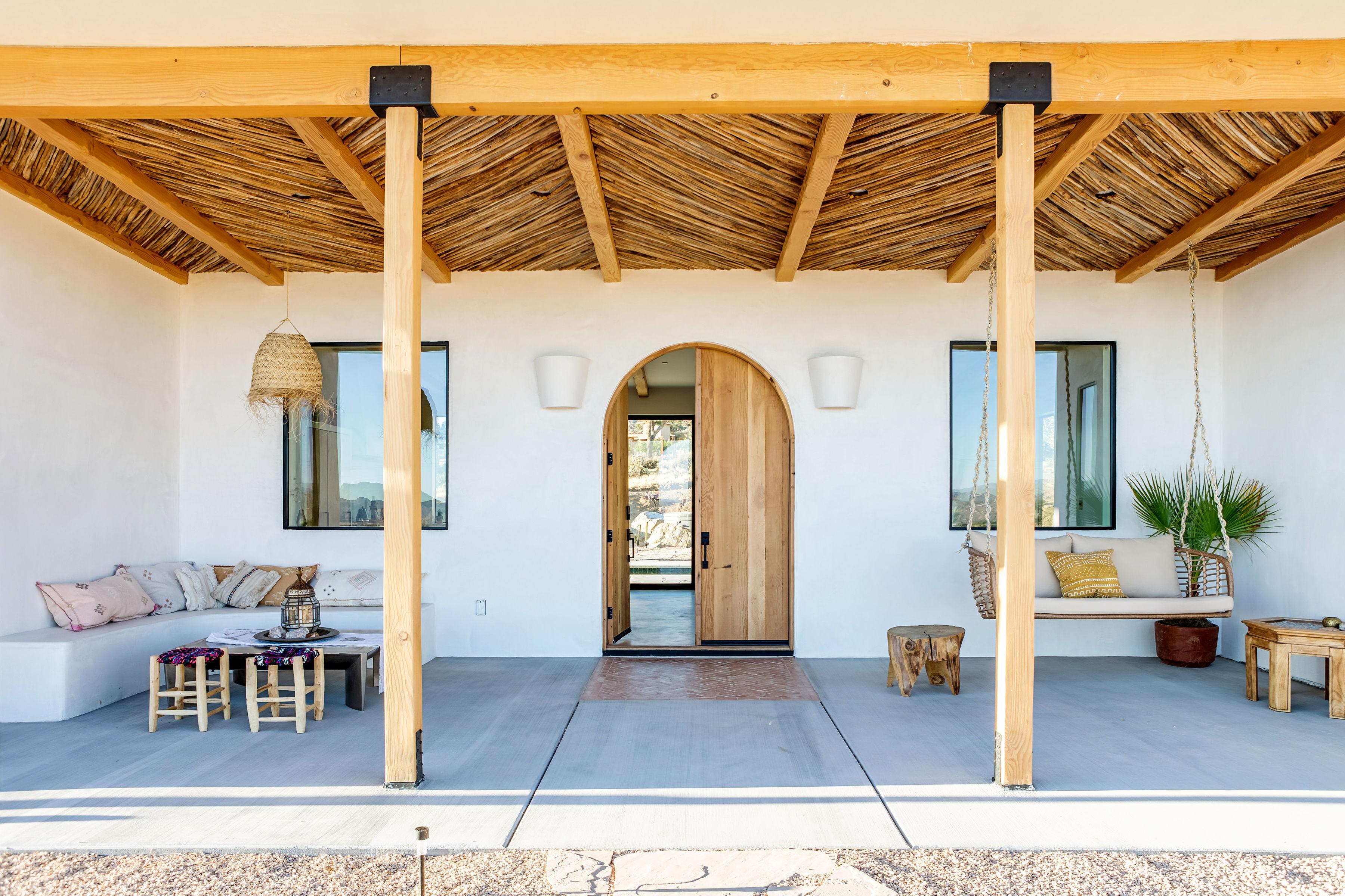 2-porch-desert-wild-joshua-tree-home-pr-1019.jpg