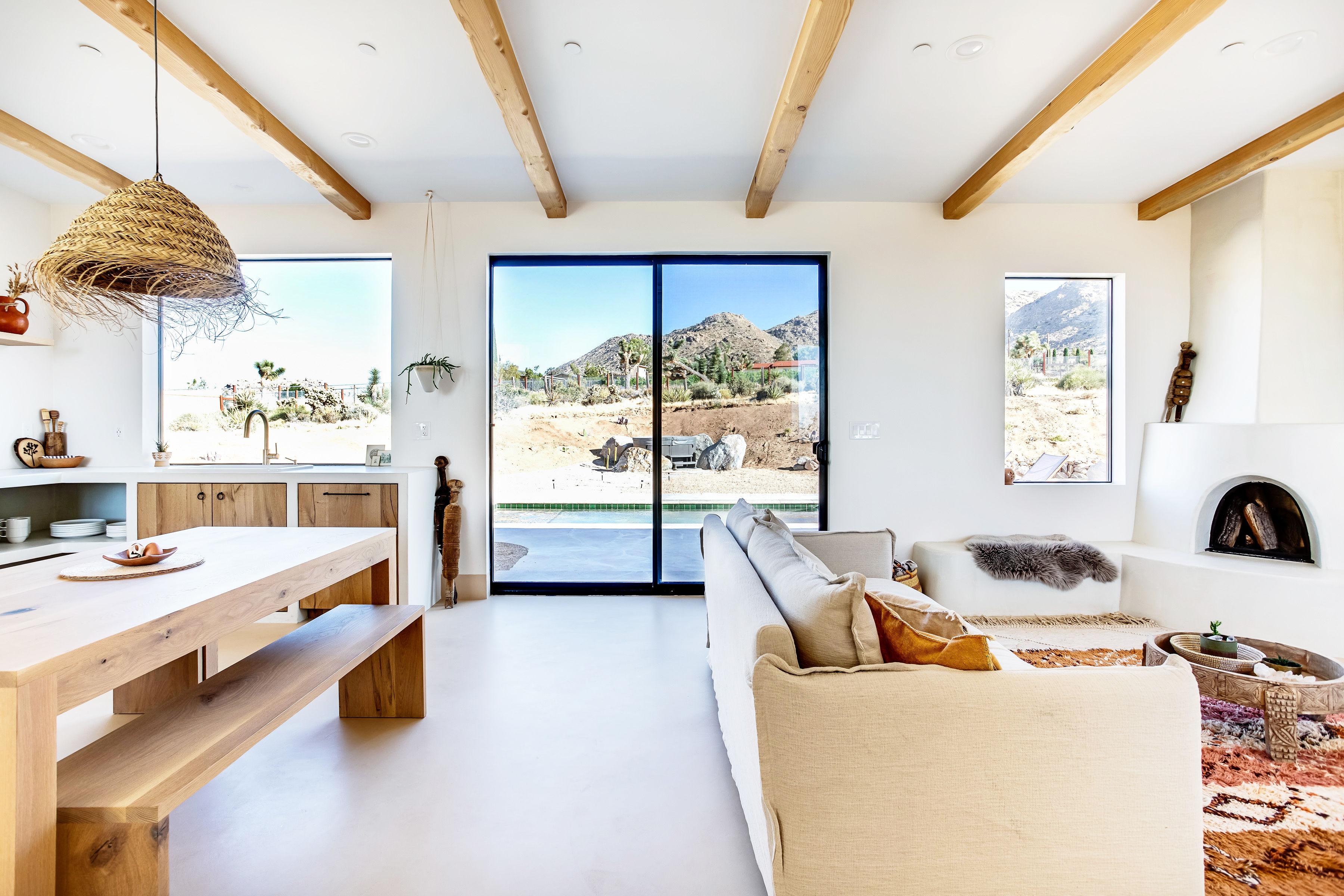 3-living-room-desert-wild-joshua-tree-home-pr-1019.jpg